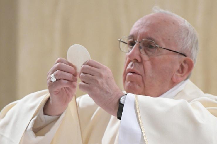 Le pape François entame une série de catéchèses sur l'Eucharistie