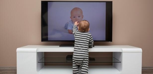 Boris Cyrulnik est formel : Pas d'écran du tout avant trois ans