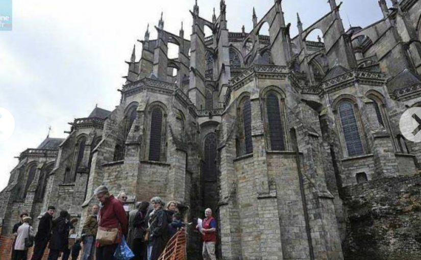 Les fouilles du jardin de la cathédrale du Mans