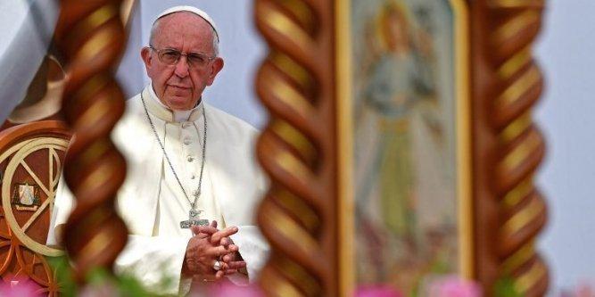 Pédophilie : un cardinal prend ses distances avec les propos du pape sur un évêque chilien